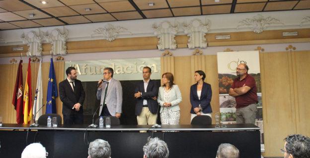 La Asociación de Colleiteiros del Ribeiro reconoce la apuesta de la CEO por la internacionalización y su apoyo  al colectivo vitivinícola