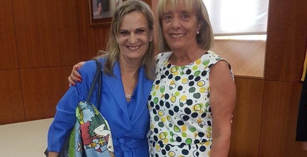 La CEO se felicita por la elección de la carballiñesa Fernández Galiño como Valedora do Pobo